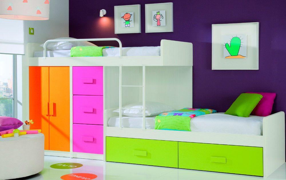 Camas modulares para una habitaci n de hermanas for Habitaciones infantiles pequenas para dos